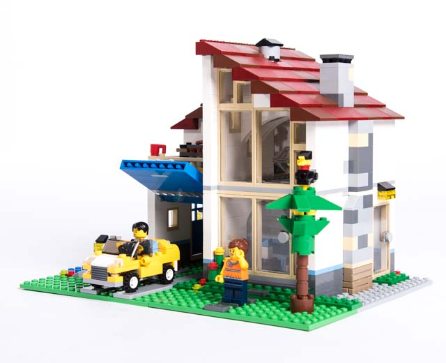 Lego Creator Family House 31012 Pley Buy Or Rent The Coolest