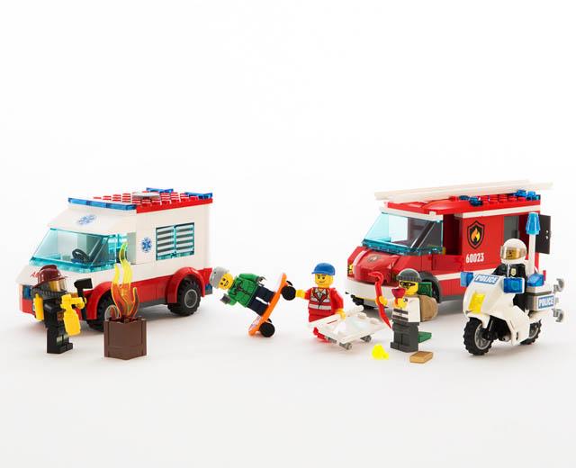 Lego City Lego City Starter Set 60023 Pley Buy Or Rent The